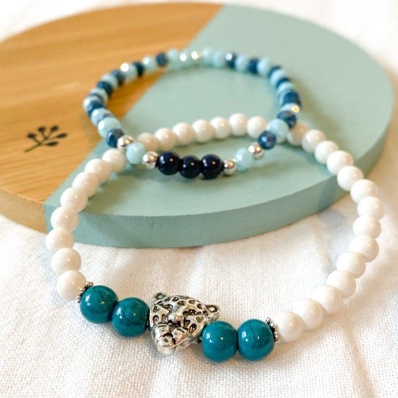 Armbanden van verschillende kralen